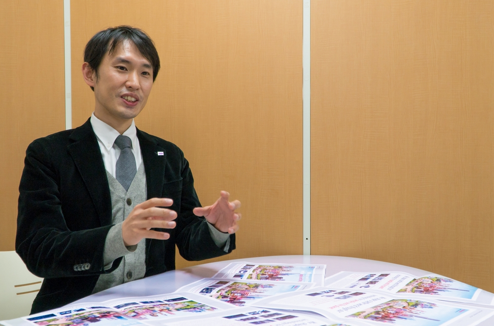 IMAGE OF Yoshinori Adachi, Advertising Department, Toshiba Corporation