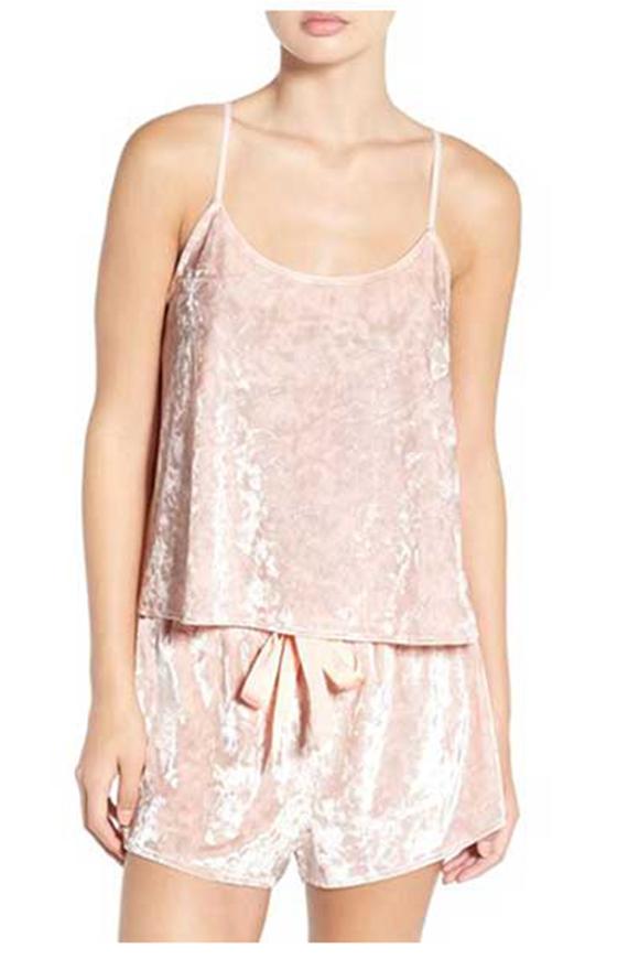 Shirt und Short aus rosa Samt