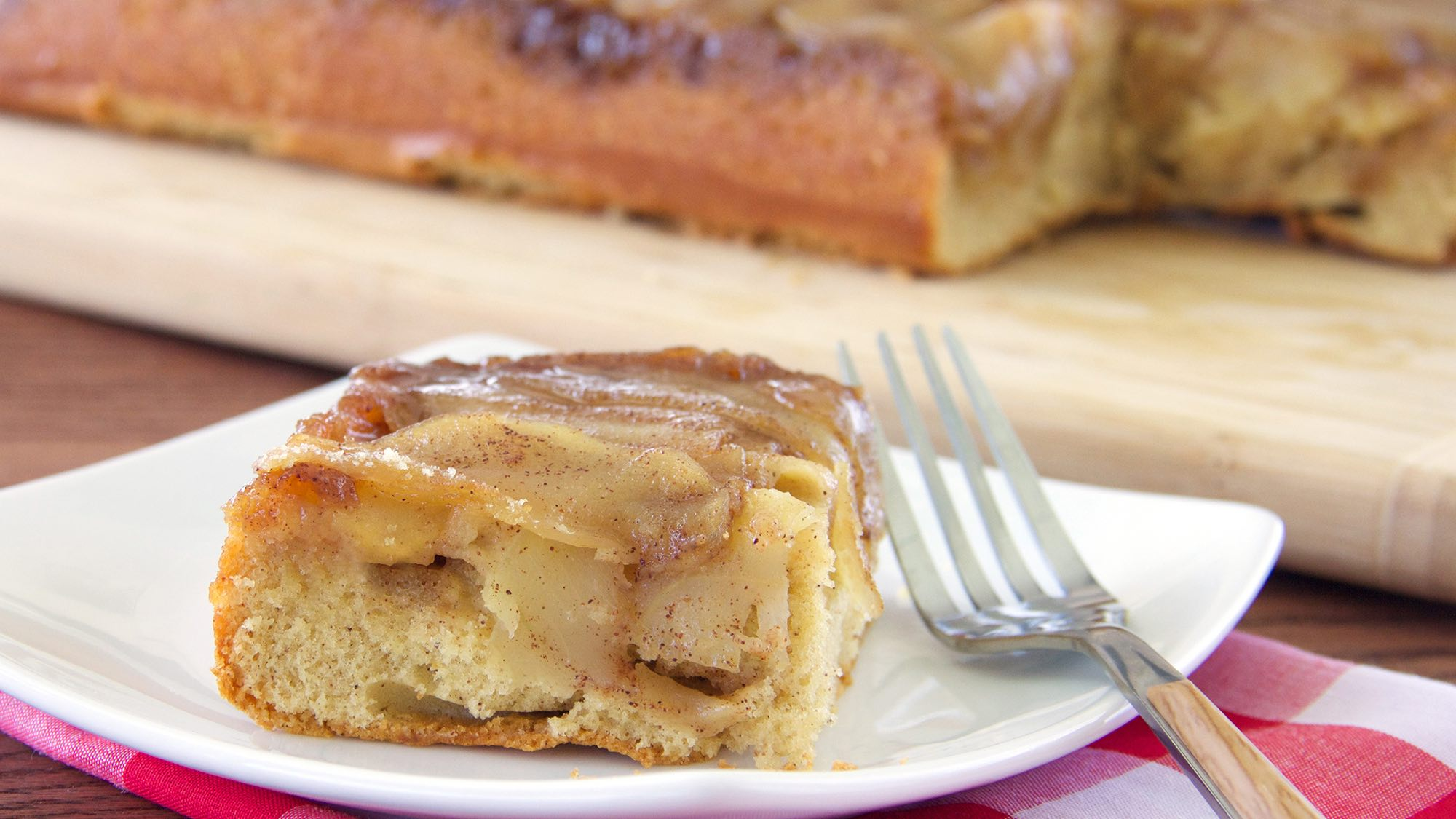 spiced-apple-upside-down-cake.jpg