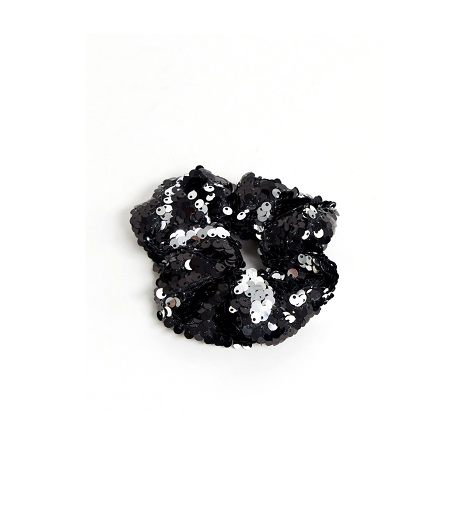 JF19_INT13_Artikel_Image_Hairstyle_Scrunchie_Revival_1600×1749_02.png