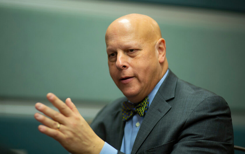 Photo : Professor Daniel Weitzner, Director of the MIT Internet Policy Research Initiative
