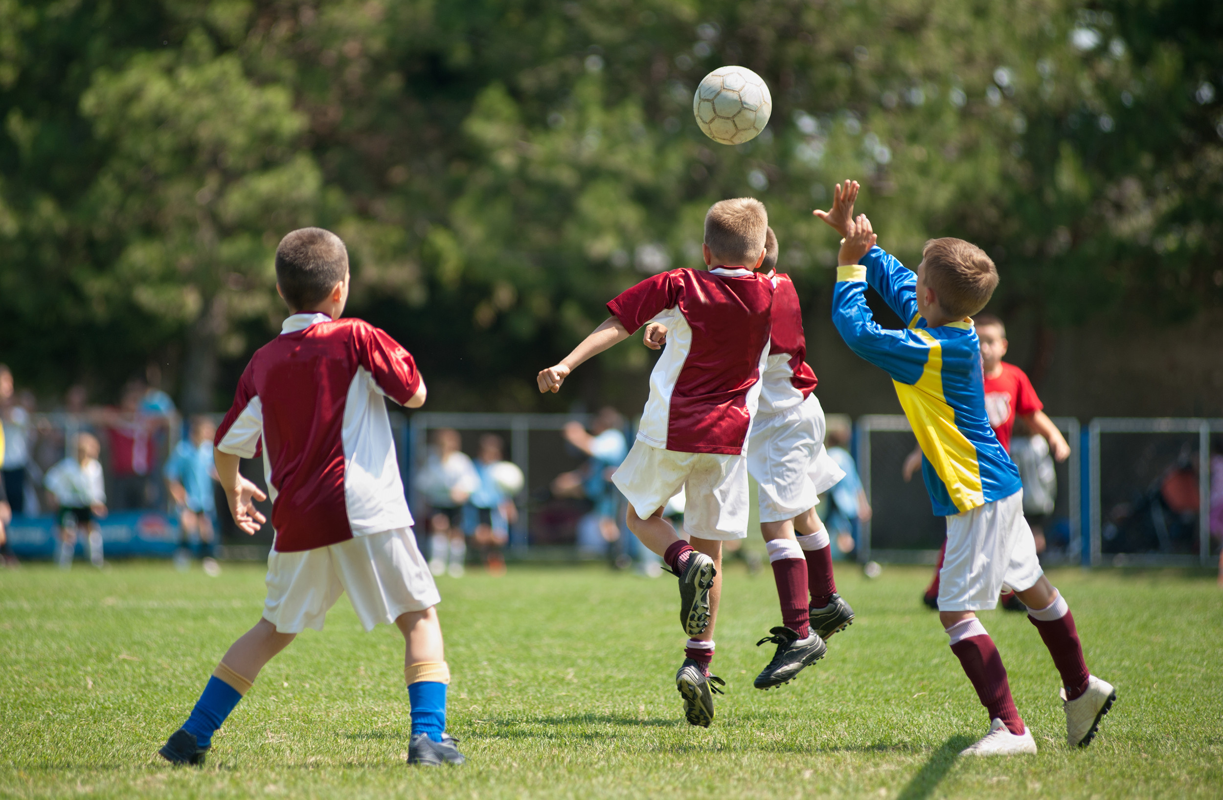 How much do parents spend on their kids' extracurricular activities?