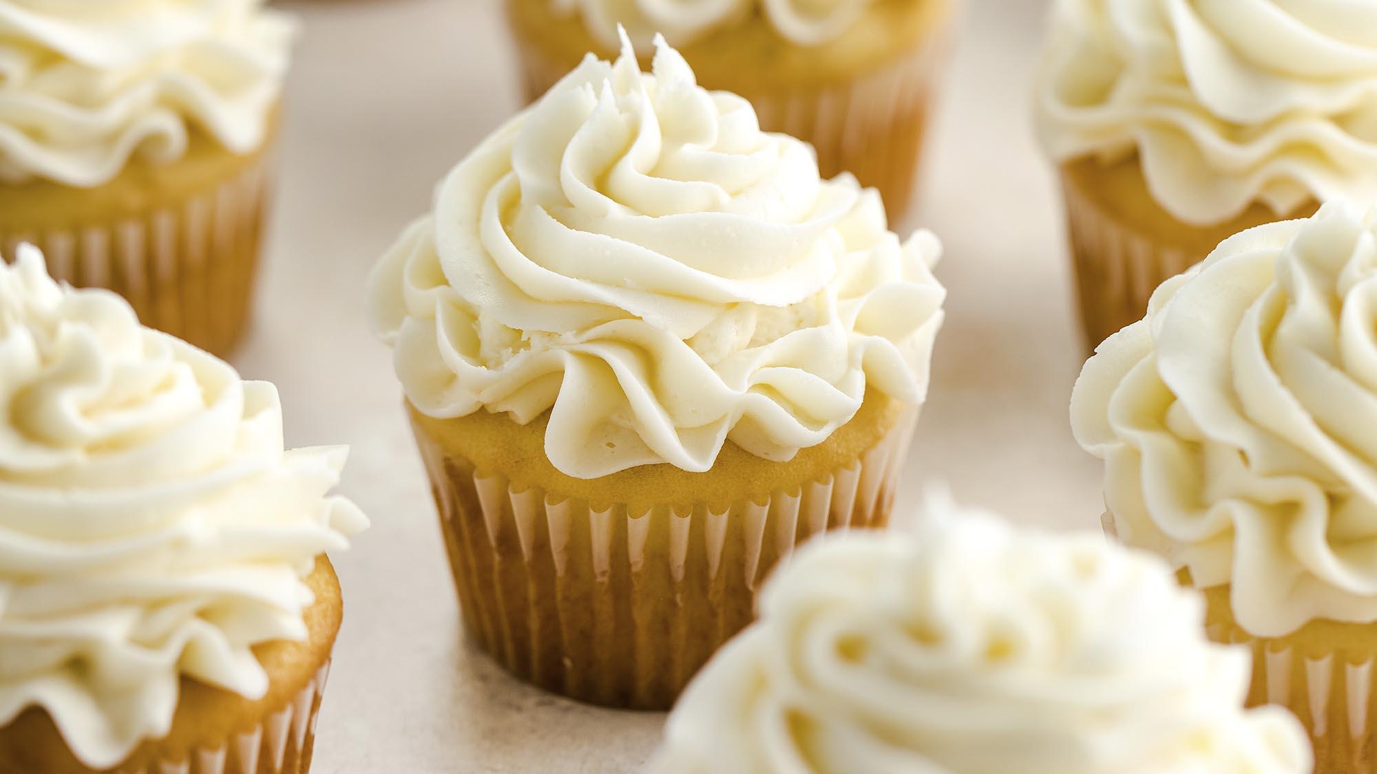 ultimate_vanilla_cupcakes_2000x1125.jpg