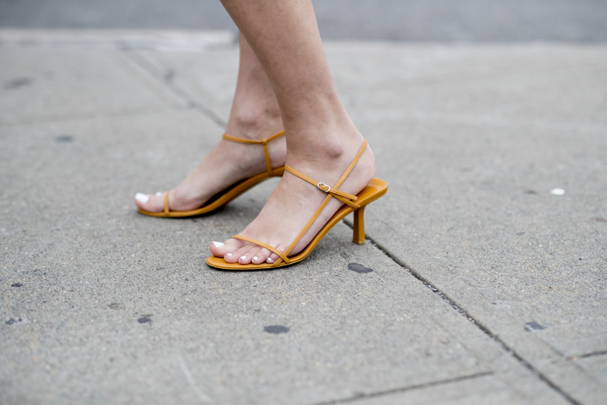barely-there-sandals-ss20-ss-trends.jpg