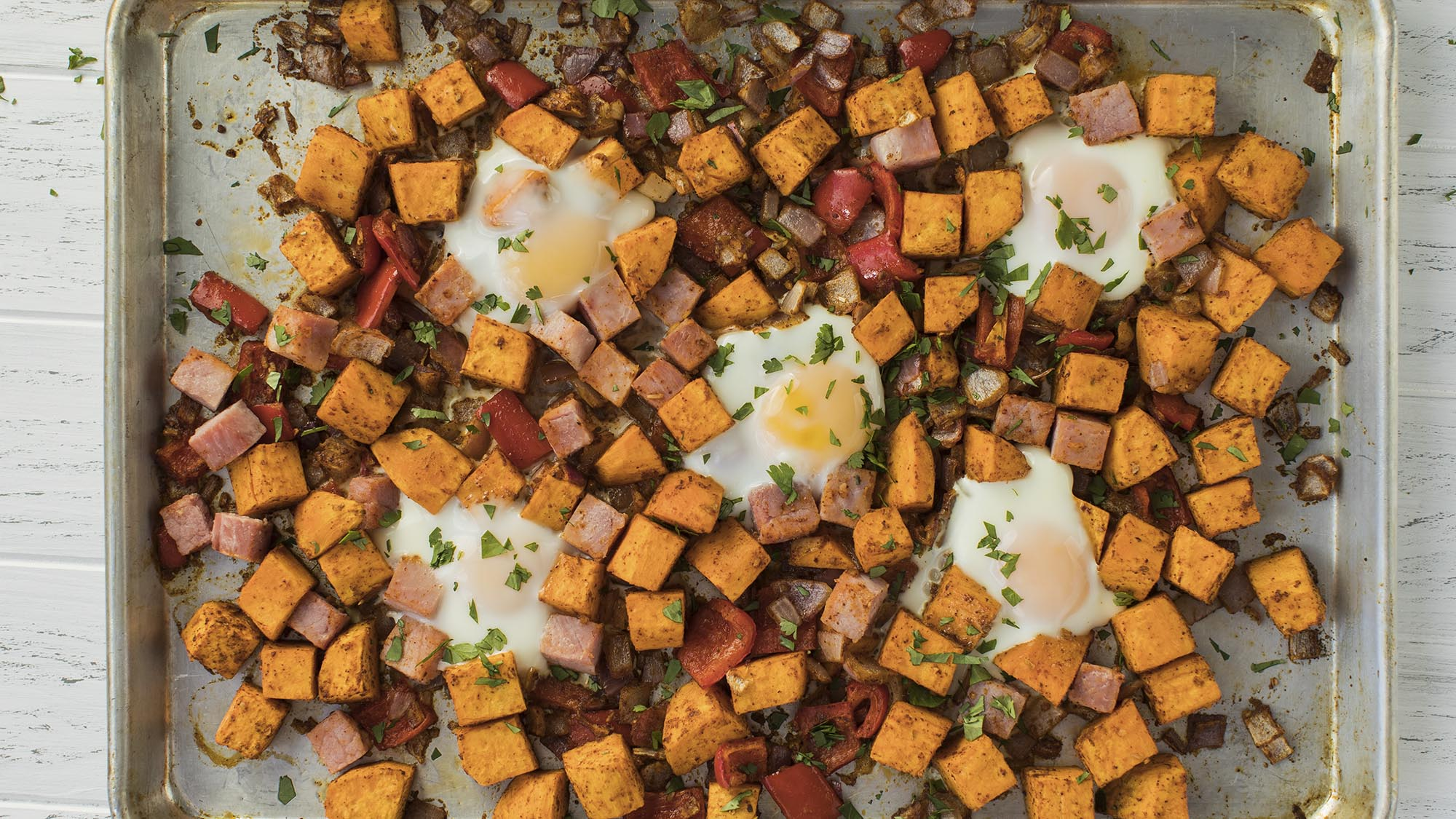 Baked_Eggs_and_Sweet_potato_hash_2000x1125.jpg
