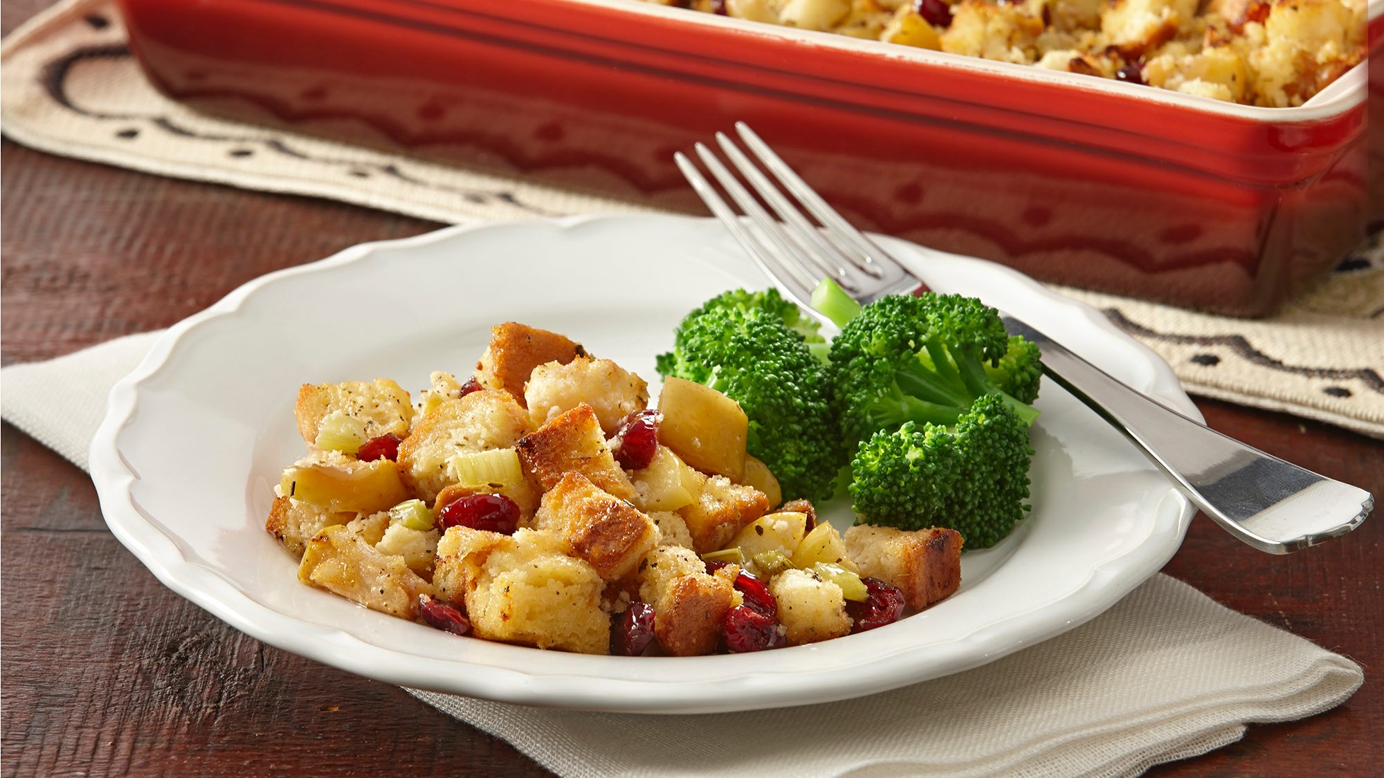 gluten-free-cranberry-apple-stuffing.jpg