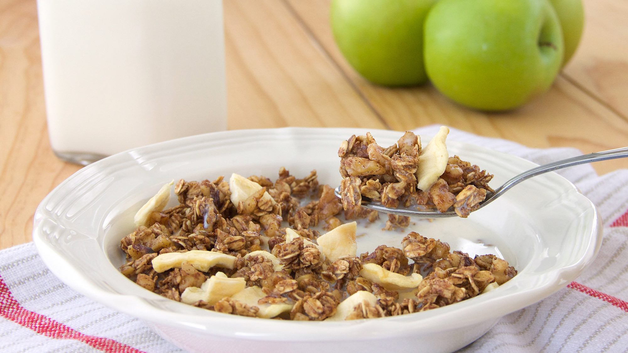 maple-apple-granola.jpg