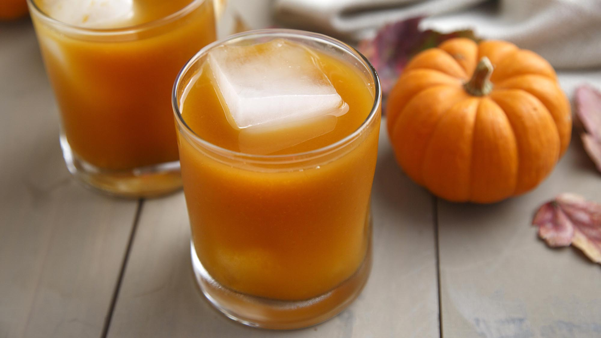 pumpkin_pie_spice_bourbon_cocktail_2000x1125.jpg