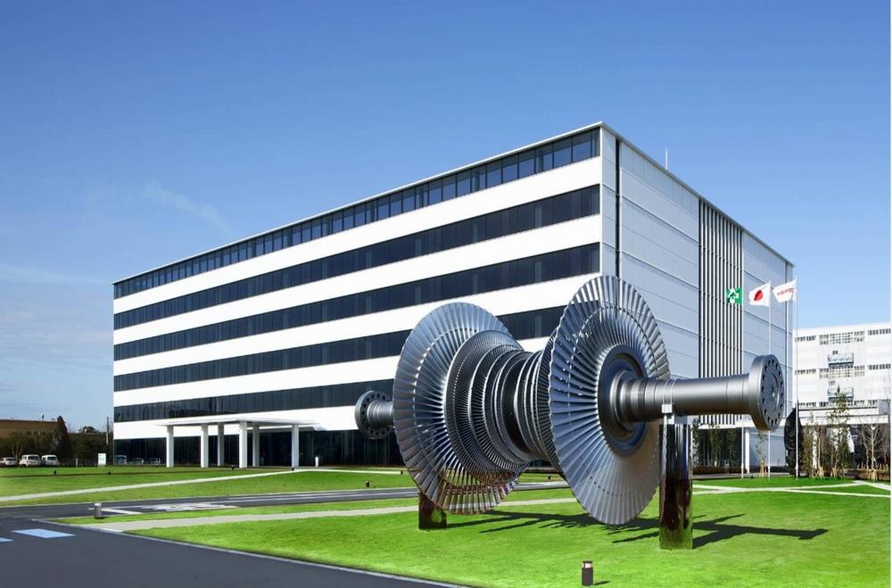 京浜事業所にはタービンの構成機器などがモニュメントとして設置されている