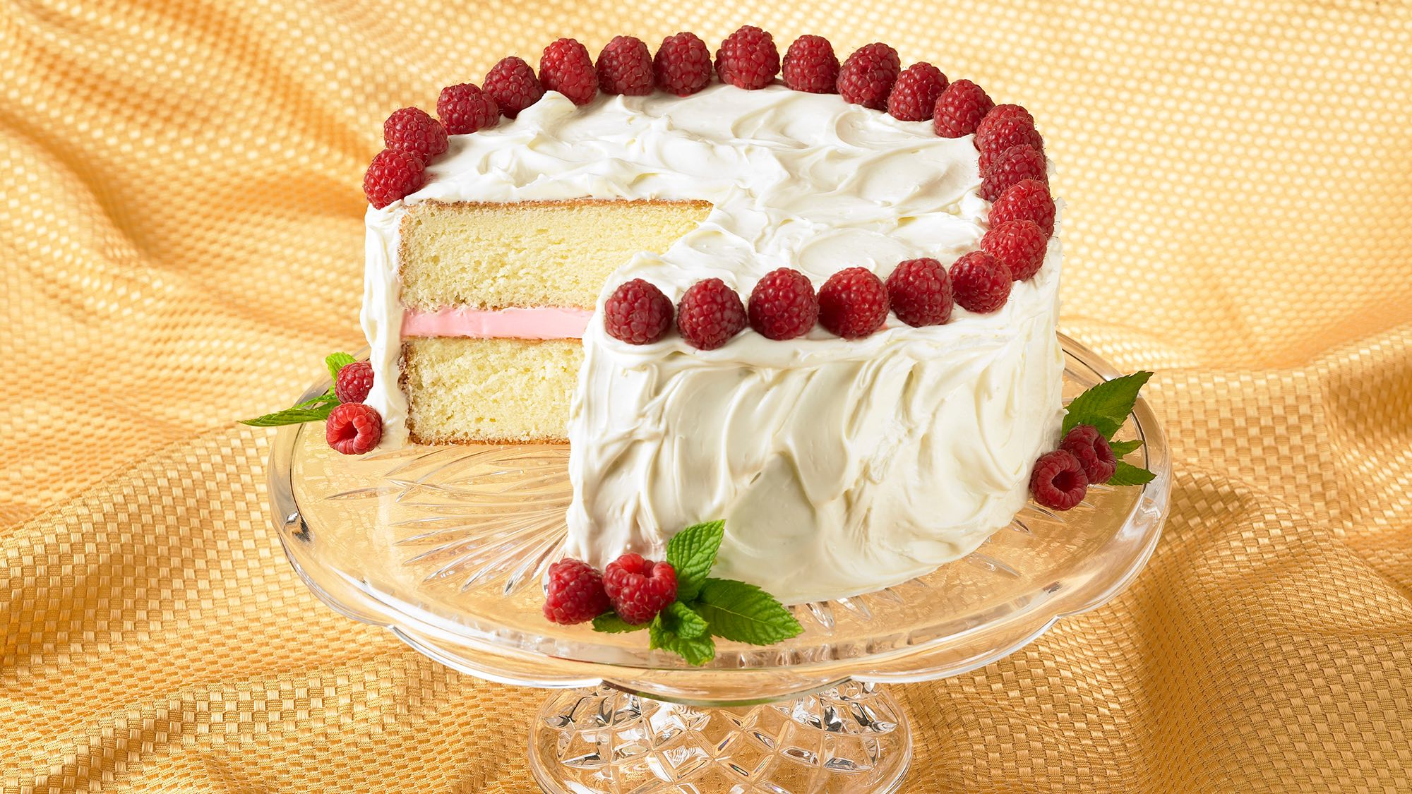raspberry-white-chocolate-cake.jpg