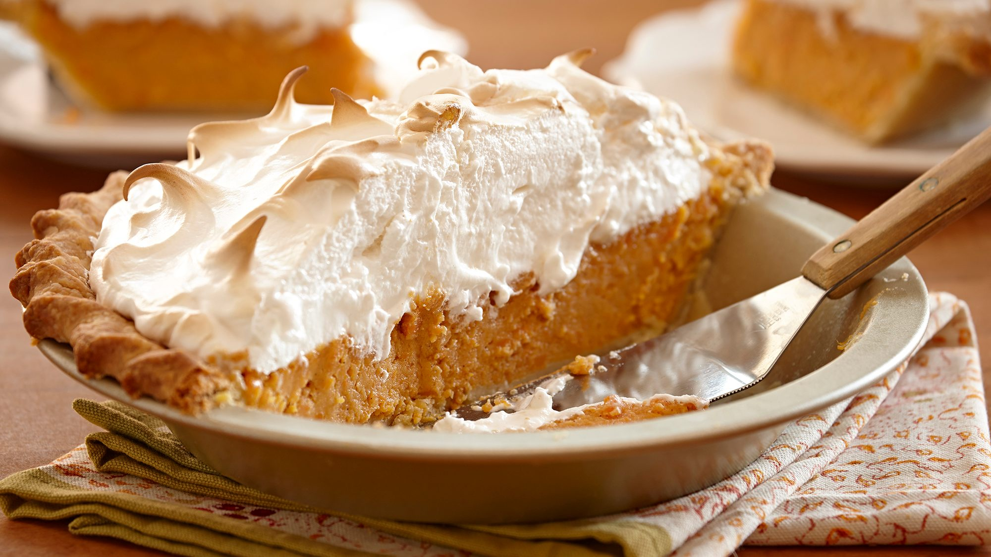 sweet-potato-pie-with-marshmallow-meringue.jpg