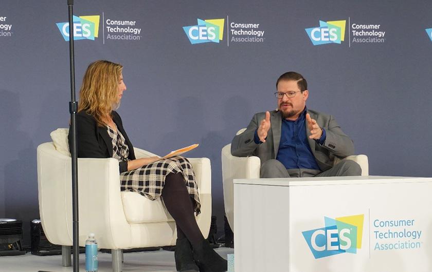 写真 : CES2020内で開催された対談セッション「予測:5Gがあなたの生活をどのように変えるか?」に登場した米Qualcomm社長のクリスティアーノ・アモン氏(出所:日経BP総研)