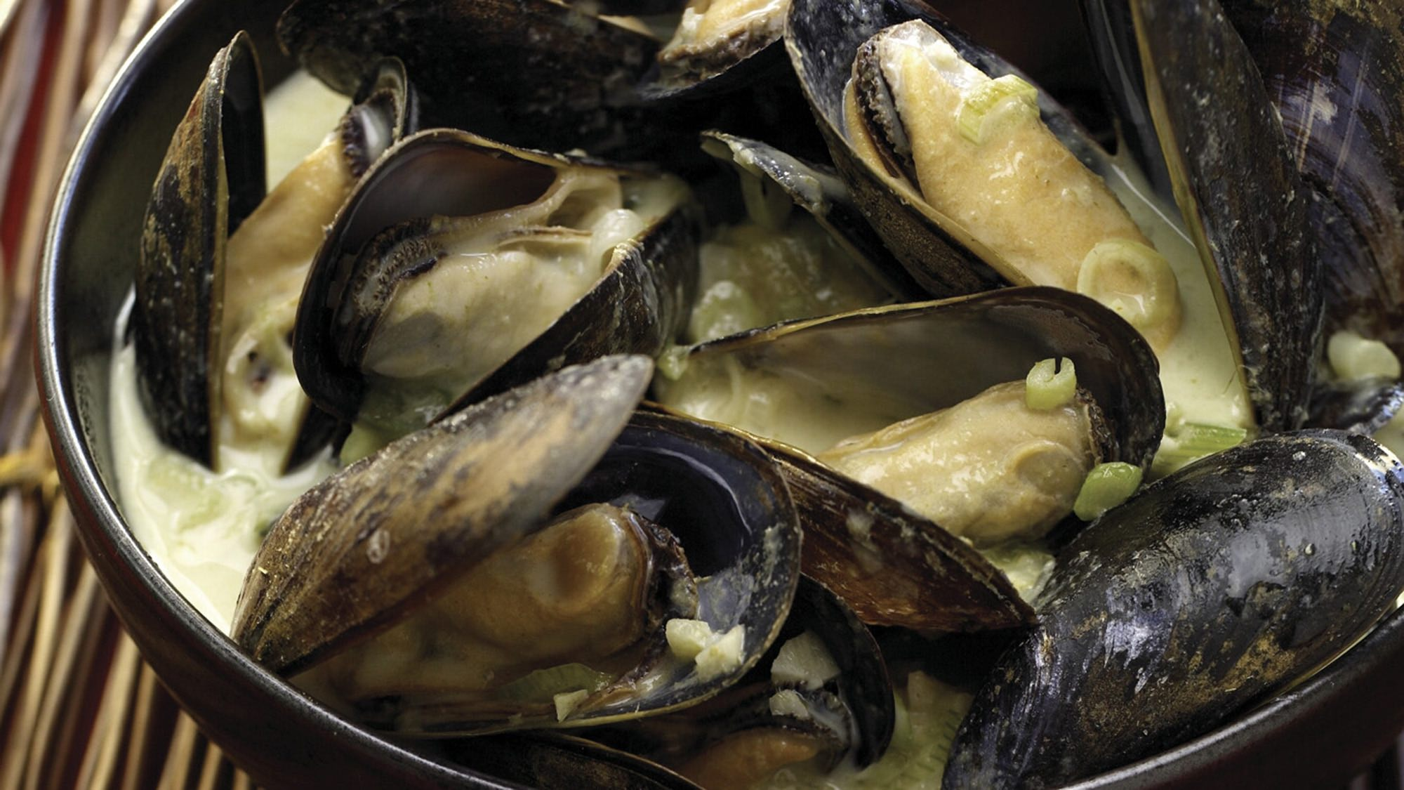 green-curry-mussels.jpg