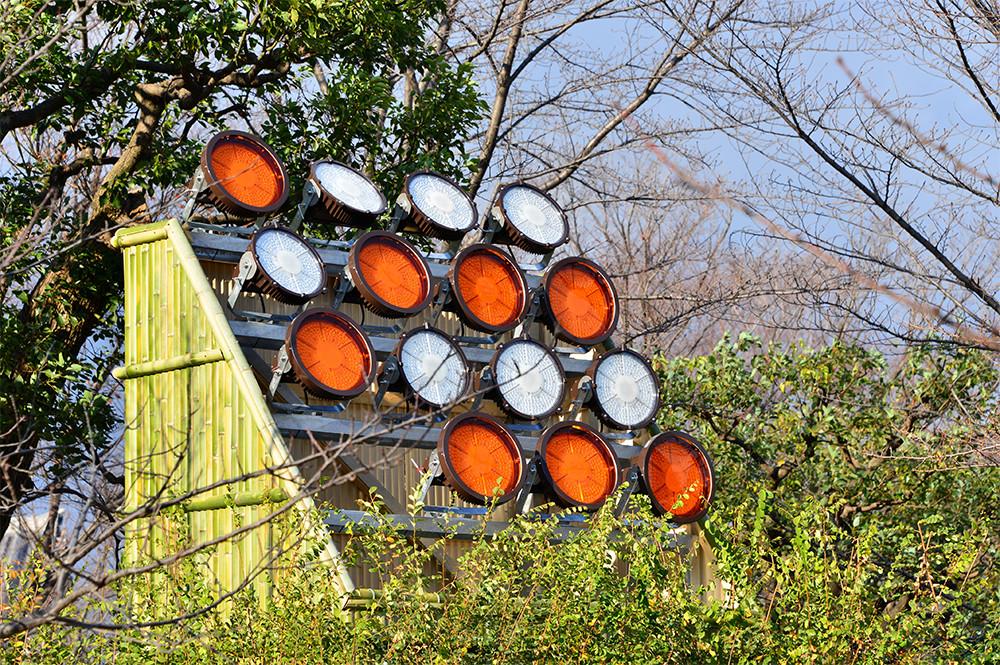 東寺 設置したLED投光器は寿命6万時間(既設器具の約5倍)